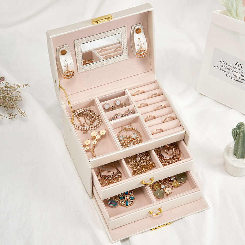 jewellery box selection karukormo blog queen of jewellery